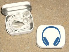 Tin ipod earbud white metal hinged 80's Headphone design - Blue