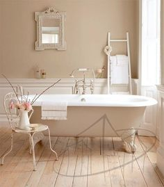 What are the details that turn a nice bathroom in a luxury environment? Discover it with us in this article, where you can find many ideas and tips for decorating a luxury bathroom. The bathtub covered in gold leaf, the basin shaped in onyx, the lacquered furniture in the '20s style, the ceramic coating that mimics the texture of the...