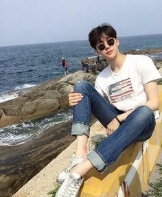 Images and videos of ulzzang girl Korean Boys Ulzzang, Cute Korean Boys, Ulzzang Boy, Asian Boys, Asian Men, Korean Fashion Men, Ulzzang Fashion, Korean Men, Boy Fashion