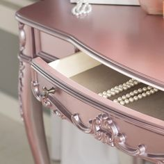 Antique Furniture Ideas Painting Wooden Furniture Tips Referral: 4830856667 Funky Painted Furniture, Painting Wooden Furniture, Refurbished Furniture, Colorful Furniture, Shabby Chic Furniture, Furniture Projects, Rustic Furniture, Luxury Furniture, Furniture Makeover