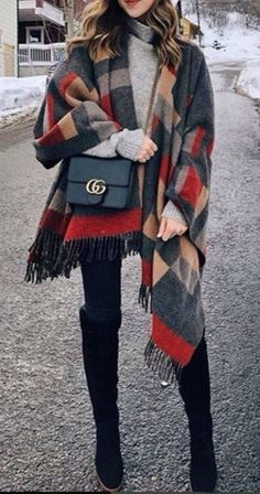 Winter fashion ideas for the year 2017 consist of the epic collection of lovely outfits, dresses and clothes especially for winter season