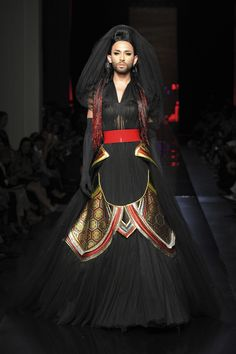 Jean Paul Gaultier dévoile sa collection Haute couture AW 14/15.