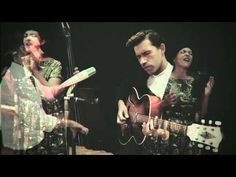 Acoustic version of 'I Belong To You'