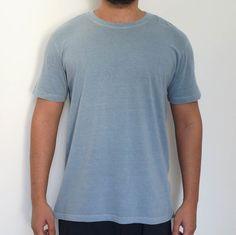 5ebde4f06 Camiseta Estonada Lisa Cinza Premium. Manala - Camisetas Alternativas para  ...