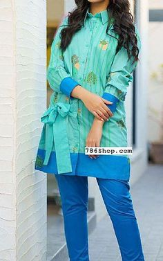 Pakistani Fashion Casual, Pakistani Dresses Casual, Pakistani Dress Design, Sleeves Designs For Dresses, Dress Neck Designs, Stylish Dress Book, Stylish Dresses, Pakistani Lawn Suits, Salwar Suits