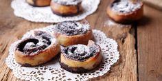 Mini kakaós csiga | Vidék Íze Minion, Cheesecake, Muffin, Breakfast, Food, Morning Coffee, Cheesecakes, Essen, Minions