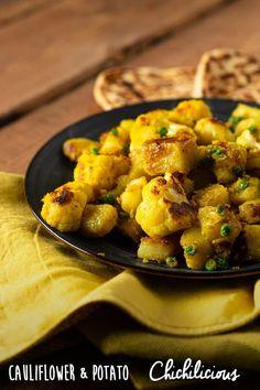 Spiced Cauliflower and Potato Recipe - Chichilicious Cauliflower Side Dish, Spiced Cauliflower, Cauliflower Potatoes, Spicy Recipes, Potato Recipes, Aloo Gobi, Indian Diet, Vegetarian Appetizers, My Best Recipe