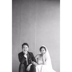 Elegant and All Natural 37 Korean Wedding Photos to Make Marriage Plans Next Summer And he takes simple photographs as well - Photography Subjects Wedding Photography Poses, Wedding Poses, Wedding Shoot, Wedding Hair, Photography Pricing, Summer Photography, Pet Photography, Photography Business, Wedding Tips
