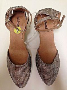 da3608ad80c6 White Mountain Women s Cisco Sandals Gold Glitter Metallic Size 9M  fashion   clothing