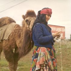 Nomad woman spinning wool, near Incirlik