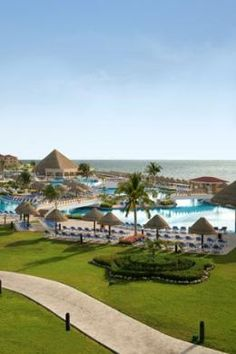 The Moon Palace Resort in Cancun. In Cancun, vacation is a large source of income for it's residents. Because Cancun is beautiful, it is easy to make money on the resort business. The Moon Palace Resort is a good example of this. Cancun Vacation, Cancun Hotels, All Inclusive Resorts, Vacation Places, Resort Spa, Dream Vacations, Vacation Spots, Great Places, Viajes