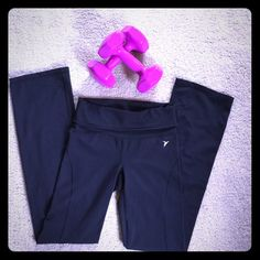 """NWOT Old Navy Active """"Black Jack"""" Rollover Pant⛹ Old Navy Activewear⛹ High Quality, Comfortable Rollover Waistband, Full Length Athletic Pants! Great For a Variety of Activities, Including Yoga. Size is Small, But Stretches so May Fit a Medium⛹Fit Snugly & Comfortably!⛹ Like New Condition! ⛹ Old Navy Pants Track Pants & Joggers"""