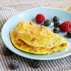 No time for breakfast? No problem! This delicious sausage and Cheddar omelet can be made in the microwave in just a minute! All you need is 1 minute for a delicious breakfast!