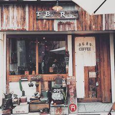 Rustic cafe 2017 - la luxury homes My Coffee Shop, Coffee Store, Coffee Shop Design, Coffee Cafe, Cafe Design, Cafe Shop, Cafe Bar, Restaurant Design, Restaurant Bar