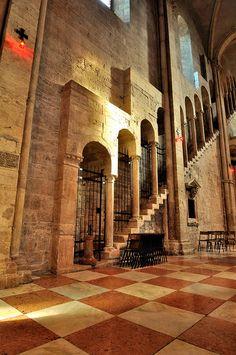 Byzantine Architecture, Romanesque Architecture, Art And Architecture, Architecture Details, Famous Structures, Romanesque Art, South Tyrol, Medieval Art, Built Environment