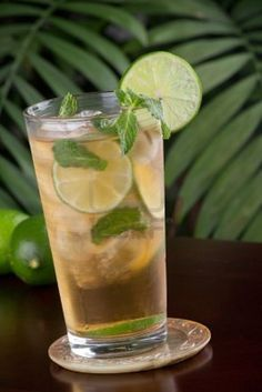 Mint iced tea with lime (non-alcoholic cocktail hour drink) Mint Iced Tea, Non Alcoholic Cocktails, Looks Yummy, New Recipes, Lime, Artsy, Tableware, Wedding, Ideas