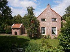 Oudeschans (Voorstraat 8) keuterboerderij met bakhuis