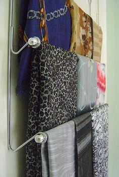 MAGGIS MIND: Okielznac szalikowy szal / Scarfs storage ideas