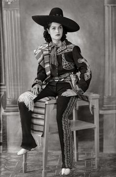 """""""Mexican Portraits,"""" a huge new book, takes a sweeping look at how several generations of photographers in Mexico see themselves and their country. Vintage Western Wear, Vintage Cowgirl, Cowboy And Cowgirl, Mexican Heritage, Spanish Heritage, Vintage Photographs, Vintage Photos, Mexican People, Mexican Revolution"""