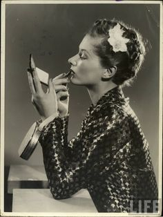 1940's glamour was in, fresh from Hollywood and women who were earning their first paychecks were also shopping, dressing elegantly and using cosmetics like movie stars.  #WWIIFashionFacts