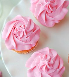 Been looking for Strawberry Cupcake recipes for ages - here are heaps of them, including Strawberry Moscato Cupcakes - pictured here.