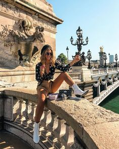 Travel pose, travel goals, outfits for spain, paris outfits Outfits For Spain, Europe Outfits, Paris Outfits, Travel Pose, Travel Goals, Paris Travel, Italy Travel, Paris Photography, Travel Photography