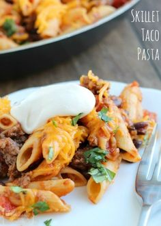 Quick and easy dinner recipe - skillet taco pasta