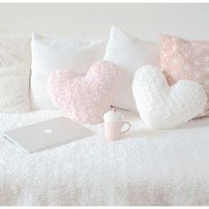 I really love the combination of soft pink and white ♡