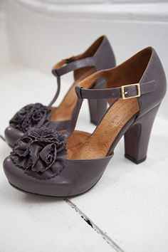 i really neeeeeeed these.  chie mihara