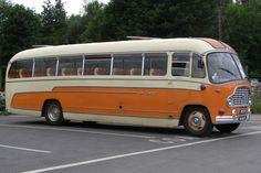 1959 Bedford SB Coach