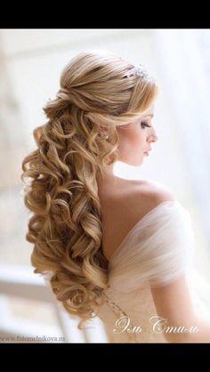 Love her hair! Stunning hair style