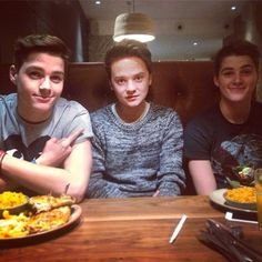 Finn, Jack and Conor Maynard!!!!!!! xxomfg you are crazy if you say this isnt one of the cutest pics ever!