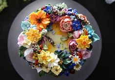 Buttercream floral cake by Atelier Soo are totally different from the rest who know this art.