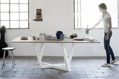 Dedalo wood dining table can comfortably accomodate up to 8 persons. Innovative, neat design furniture to buy online on Formabilio. Modern Table Legs, Steel Table Legs, Dining Table Legs, Dining Table Design, Modern Dining Table, Table And Chairs, Wood Table, Dining Rooms, Colores Ral