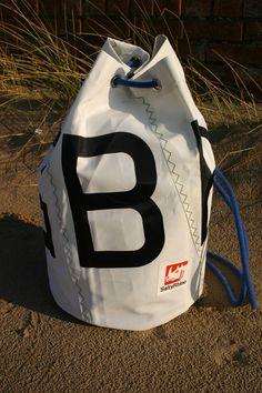 18c1ccbdd3e4 Traditional recycled Sailcloth Duffel Bag GBR