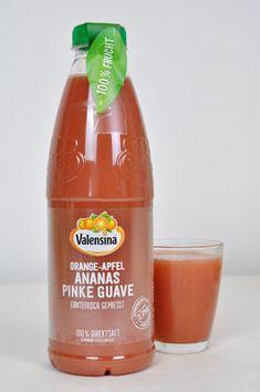 Ganz frisch ins Kühlregal: Im neuen erntefrisch gepressten Direktsaft von Valensina vereinen sich mindestens 2,2 kg sonnengereiftes Obst.
