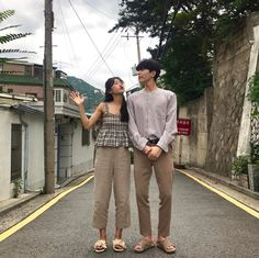 Matching Couple Outfits, Matching Couples, Cute Couples, Korean Couple Photoshoot, Fashion Couple, Style Fashion, Fashion Outfits, Ulzzang Couple, Friend Outfits