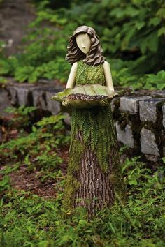 tree stump garden ideas (12)