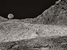 Inspiración: Ansel Easton Adams (20/2/1902 - 22/4/1984) EEUU, nacido en San Francisco, desarrollador del sistema de zonas. Después de conocer a Poul Strand este fotografo se dedica a la fotografía directa, en la cual se trata de realizar los cálculos precisos en el momento de la toma para obtener los resultados. me impresionó mucho el manejo del contraste y la luz en sus fotos. Realicé un trabajo sobre el en la materia Historia de la fotografía 1