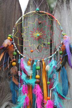 Medium Tie Dye Spirit Dream Catcher by tiedyespirit on Etsy Dream Catcher Patterns, Dream Catcher Craft, Dream Catcher Boho, Dream Catchers, Los Dreamcatchers, Boho Dreamcatcher, Hippie Crafts, Dream Catcher Tutorial, Hippie Room Decor