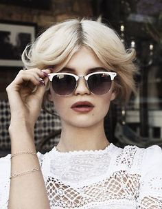 Pixie Geldof pulls off these classic white clubmasters by pairing with a classy hair style and matching white outfit. Kudos pixie! http://www.urbanoptics.ie/