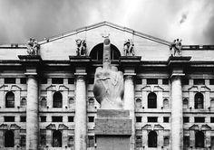 Palazzo Mezzanotte, completed in 1932 Arch. Paolo Mezzanotte