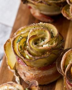 AG Simple Swap Potato Roses Recipe by Tasty: Skip The Ingredients & Use Your Favorite Flavor of Angeli Gourmet! *I Love Swaping for Original All The Way With This One! Potato Side Dishes, Vegetable Side Dishes, Vegetable Recipes, Bacon Wrapped Potatoes, Sliced Potatoes, Bacon Potato, Sweet Potato, Bacon Recipes, Appetizer Recipes
