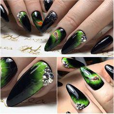 Автор @kristina_kulgavchuk #nails #nail #дизайнногтей #nailart #руки #crystalpixie #naildesign #ручнаяроспись #гелькраска #nailstagram #идеидизайна #lovenails #гельлак #наращиваниеногтей #художественнаяроспись #nails_journal #мастеркласс #мастеруназаметку #фотоногтей #красивыеногти #shellac #нейларт #manicure #ногти #красиво #nails #маникюр #mk ❗️ВОПРОСЫ ПУБЛИКУЮ В ПОРЯДКЕ ОЧЕРЕДИ❗️ Дублировать вопросы не нужно,все запросы в Директ читаются снизу и публикуются от самого раннего,написав… Manicure Gel, Mani Pedi, Green Nails, Black Nails, Racing Nails, Cute Nails, My Nails, Instagram Nails, Nail Inspo