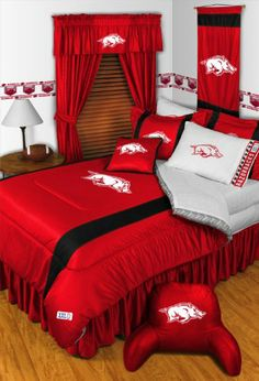 Arkansas Razorbacks 8 Pc Bedding Set