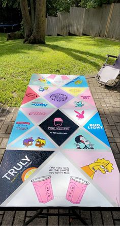Animation Soiree, Theme Animation, Custom Beer Pong Tables, 21st Bday Ideas, Drinking Games For Parties, Bubble Painting, Fun Party Games, Summer Fun List, College Fun