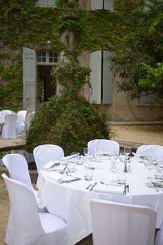 A votre table, un vigneron vous fera partager sa passion et déguster ses meilleures cuvées.