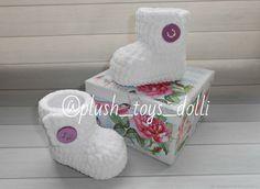 Купить Плюшевые пинетки сапожки, пинетки для новорожденных в интернет магазине на Ярмарке Мастеров