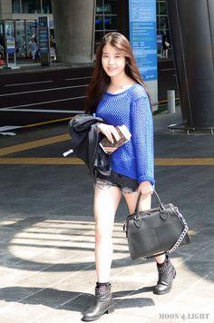 Damm girl killing it Korean Casual, Cute Korean, Korean Girl, Asian Girl, Kpop Fashion, Korean Fashion, Fashion Outfits, Womens Fashion, Airport Fashion