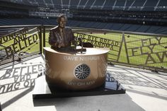 Dave Niehaus Statue, created by Chicago-based artist, Lou Cella. #Mariners